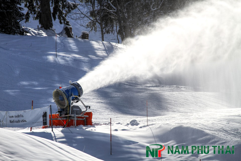hệ thống máy tạo tuyết